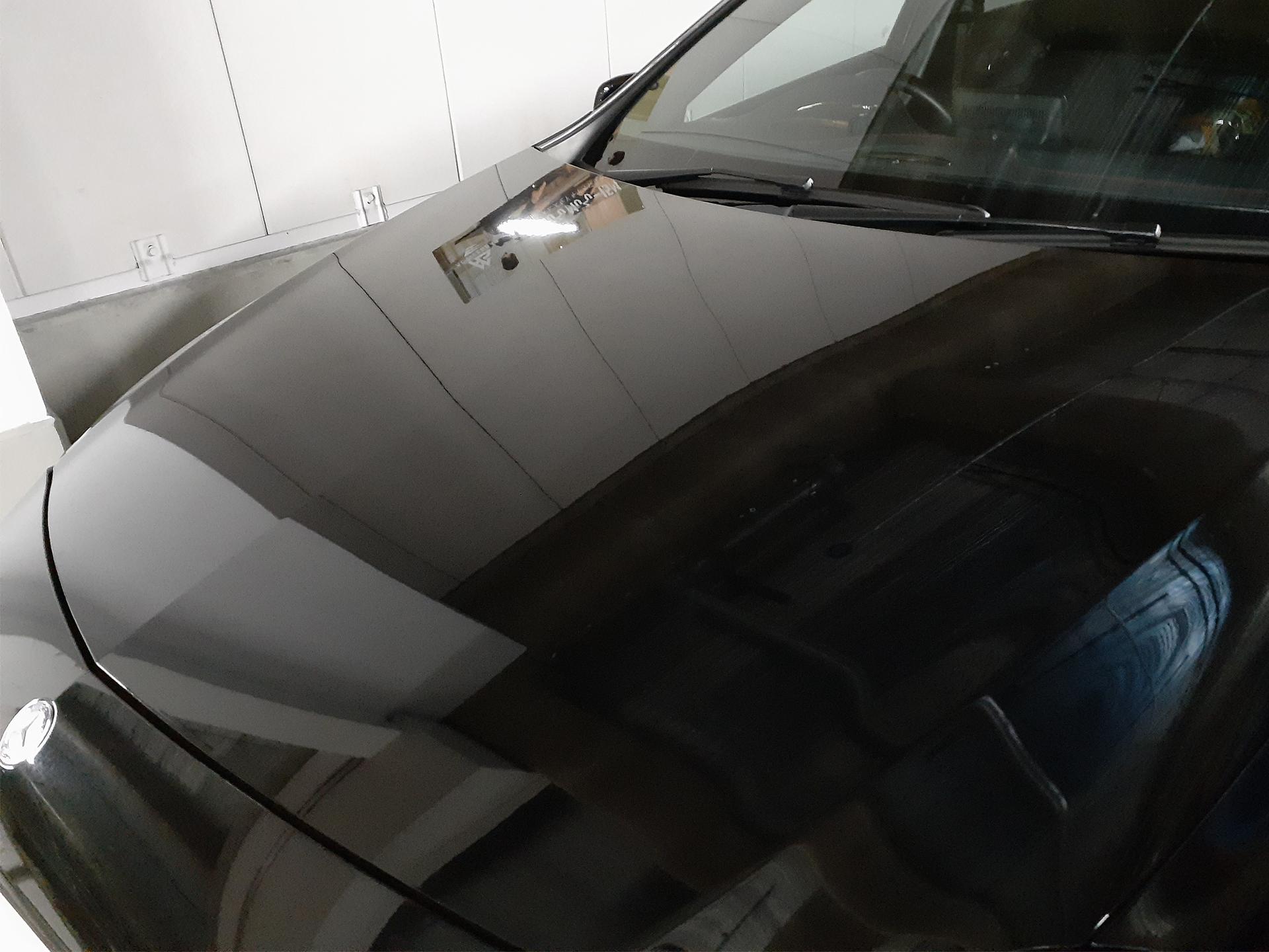 洗車後のボディ